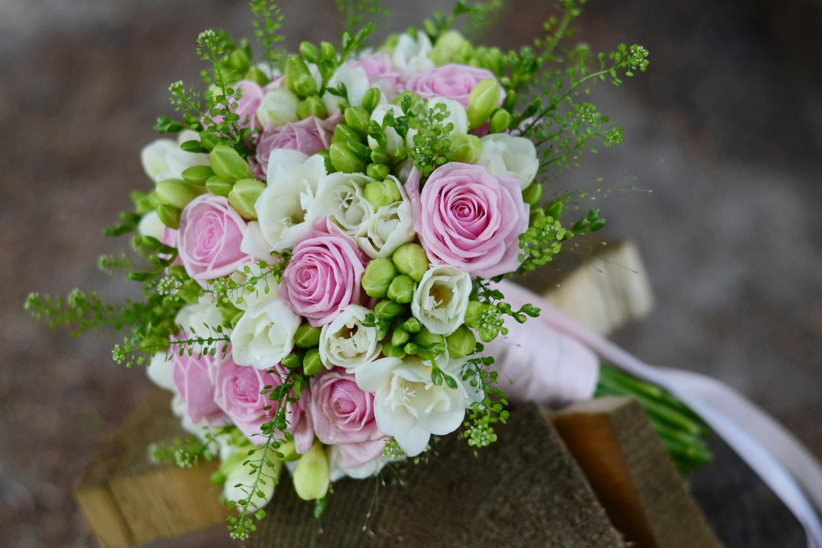 Kwiaciarnia Atena w Luboniu, bukiety ślubne