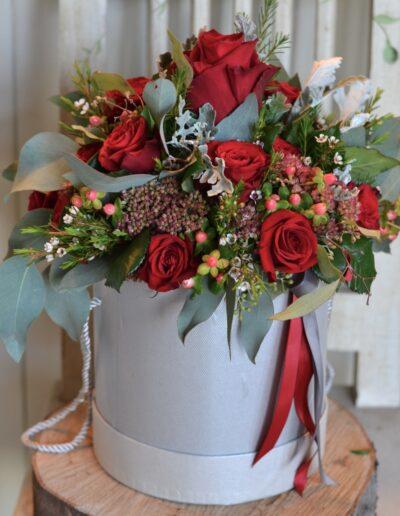 Realizacja Flower box - Kwiaciarnia Atena w Luboniu, Traugutta 24A, bukiety, kompozycje i dekoracje, flowerbox ze świeżych kwiatów- Kwiaciarnia Atena w Luboniu, Traugutta 24A, bukiety, kompozycje i dekoracje ze świeżych kwiatów