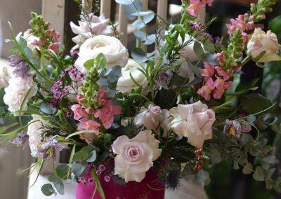 Realizacja Flower box - Kwiaciarnia Atena w Luboniu, Traugutta 24A, bukiety, kompozycje i dekoracje, flowerbox ze świeżych kwiatów - Kwiaciarnia Atena w Luboniu, Traugutta 24A, bukiety, kompozycje i dekoracje ze świeżych kwiatów