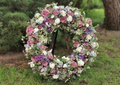 Realizacja - Kwiaciarnia Atena w Luboniu, Traugutta 24A, bukiety, kompozycje i dekoracje ze świeżych kwiatów, wieńce, wiązanki, pogrzeb